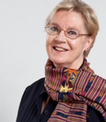 Bonnie Campbell présente l'allocution d'ouverture à la conférence: