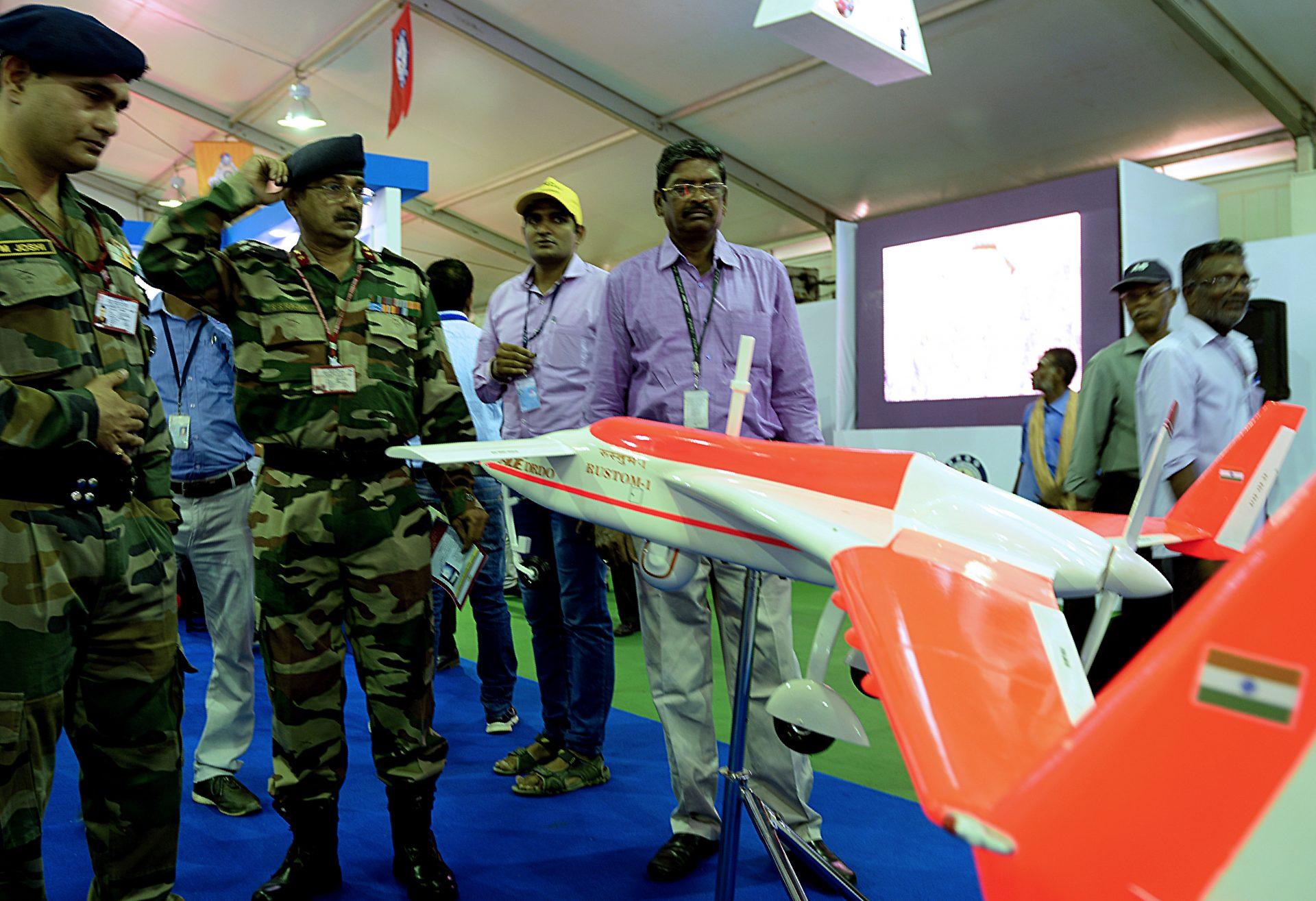 Inde-Chine: jeux de drones dans l'Himalaya