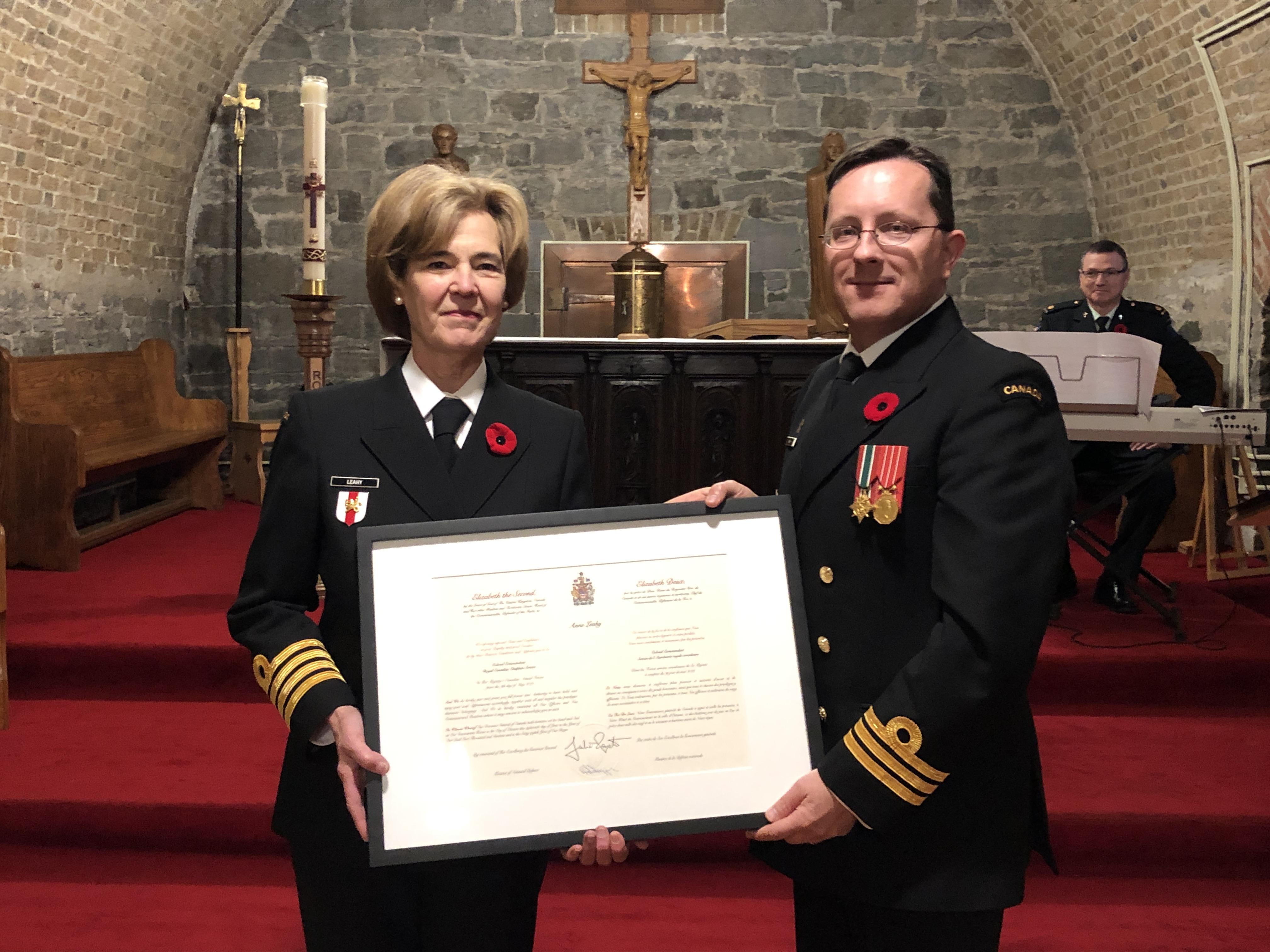 Félicitations à MmeAnne Leahy, fellow de l'IEIM, pour sa nomination au poste de colonel commandant du Service de l'Aumônerie royale canadienne