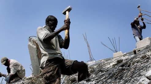HAITI: Bonnie Campbell accorde une entrevue à CHOQ FM sur la reconstruction en Haiti